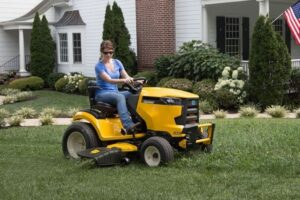 Best Riding Lawn Mowers for Rough Terrain Review